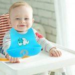Set de deux bavoirs avec récupérateur, silicone souple imperméable, pour bébés et enfants en bas âge de la marque Chuckle image 3 produit